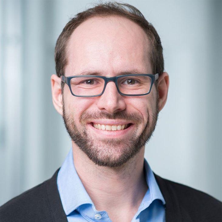 Dr. Ernesto Knein